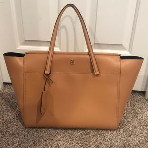 Authentic Tory Burch Leather Robinson Zip Tote